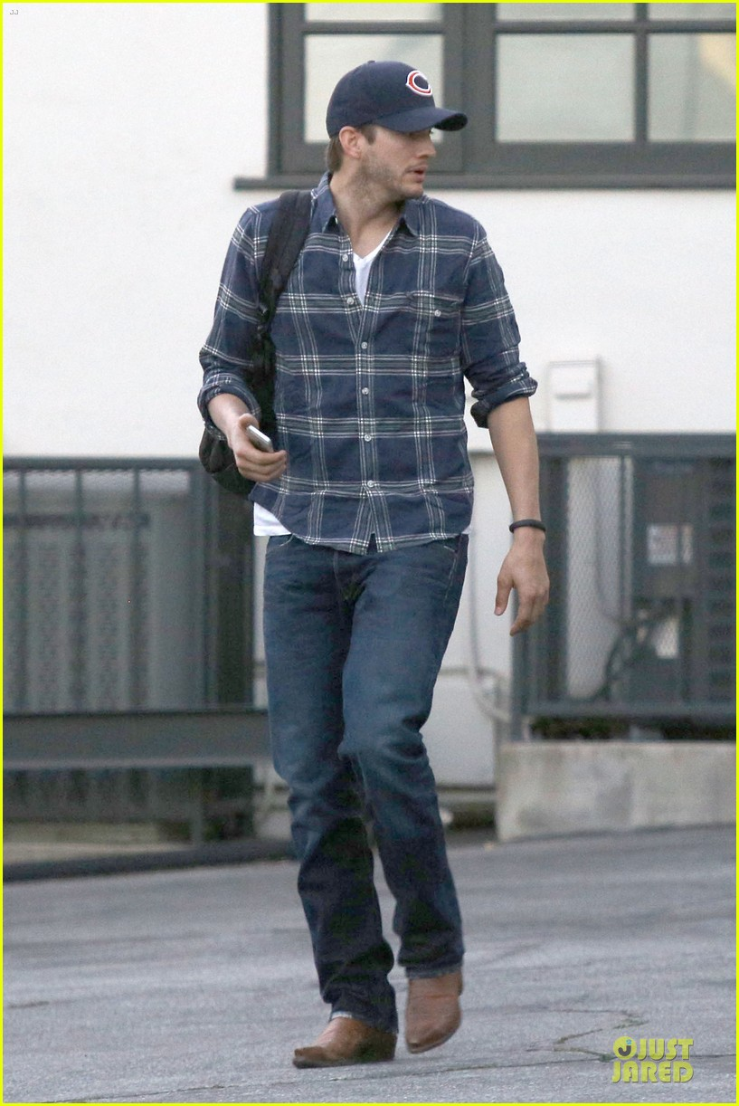 ashton kutcher are you sold on the waffle taco 133060118