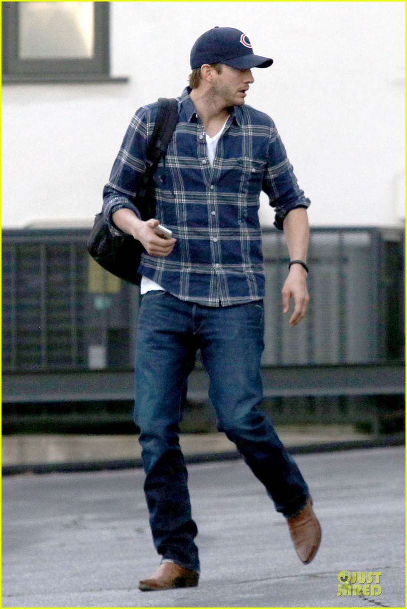 ashton kutcher are you sold on the waffle taco 153060120
