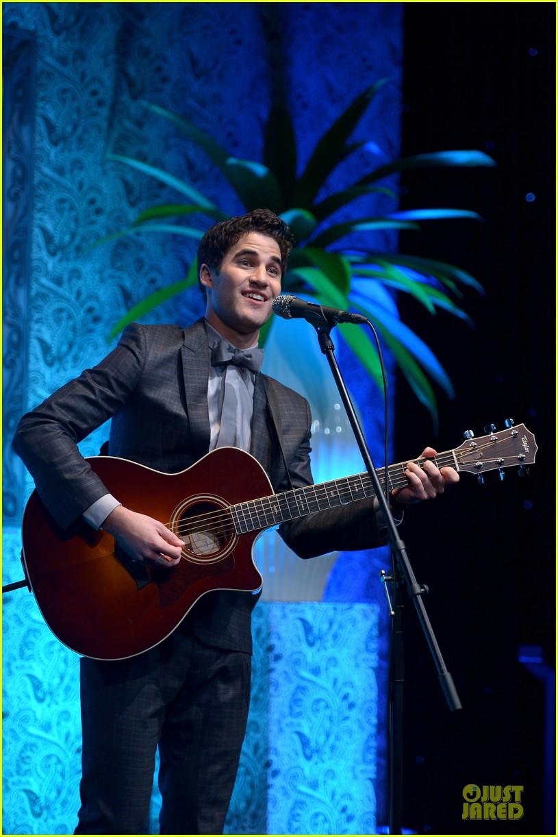 adam lambert darren criss perform at family equality council dinner 04