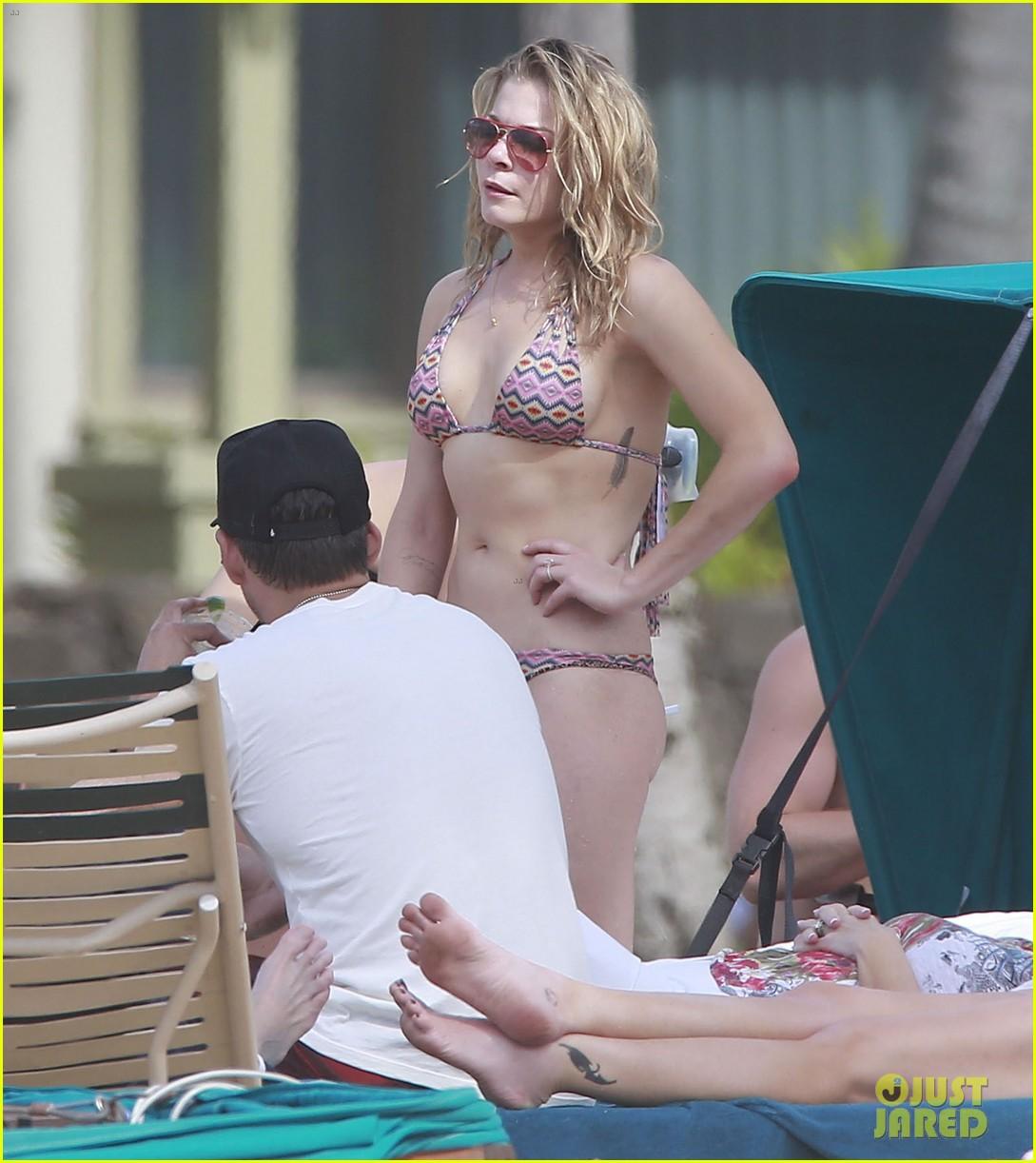 leann rimes bikini beach day eddie cibrian 213050375