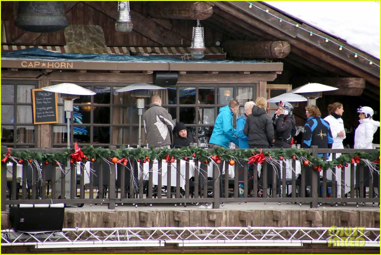 leonardo dicaprio toni garrn vacation in snowy french alps 063056319
