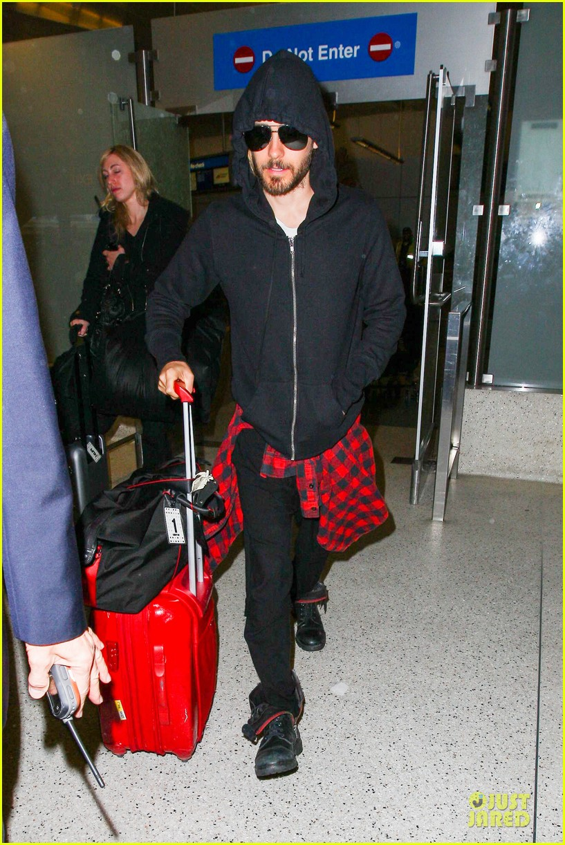 jared leto low profile lax arrival after dallas promo 013045352