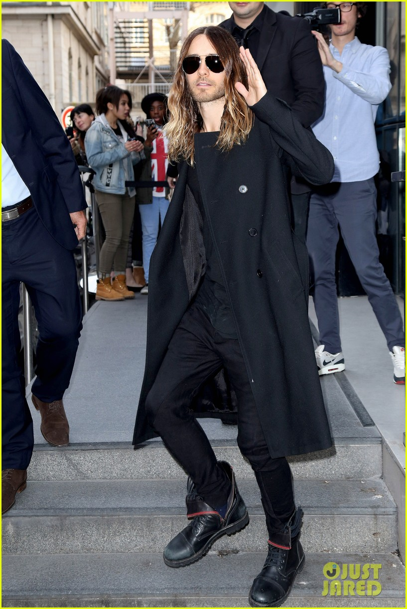 jared leto discusses wearing mens clothes in pivitol dallas buyers club scene 103055631
