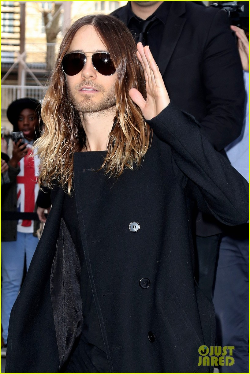 jared leto discusses wearing mens clothes in pivitol dallas buyers club scene 113055632