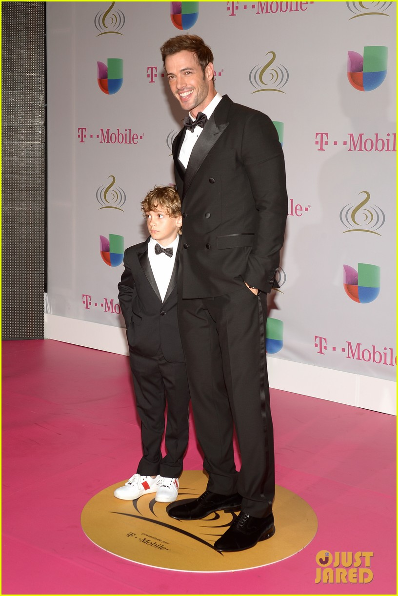 william levy enrique iglesias premio lo nuestro latin music awards 2014 01