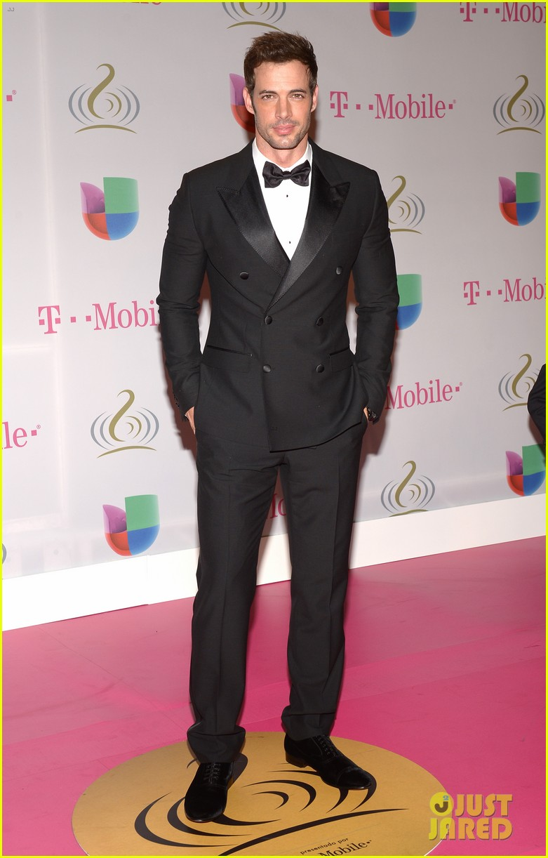 william levy enrique iglesias premio lo nuestro latin music awards 2014 033057859