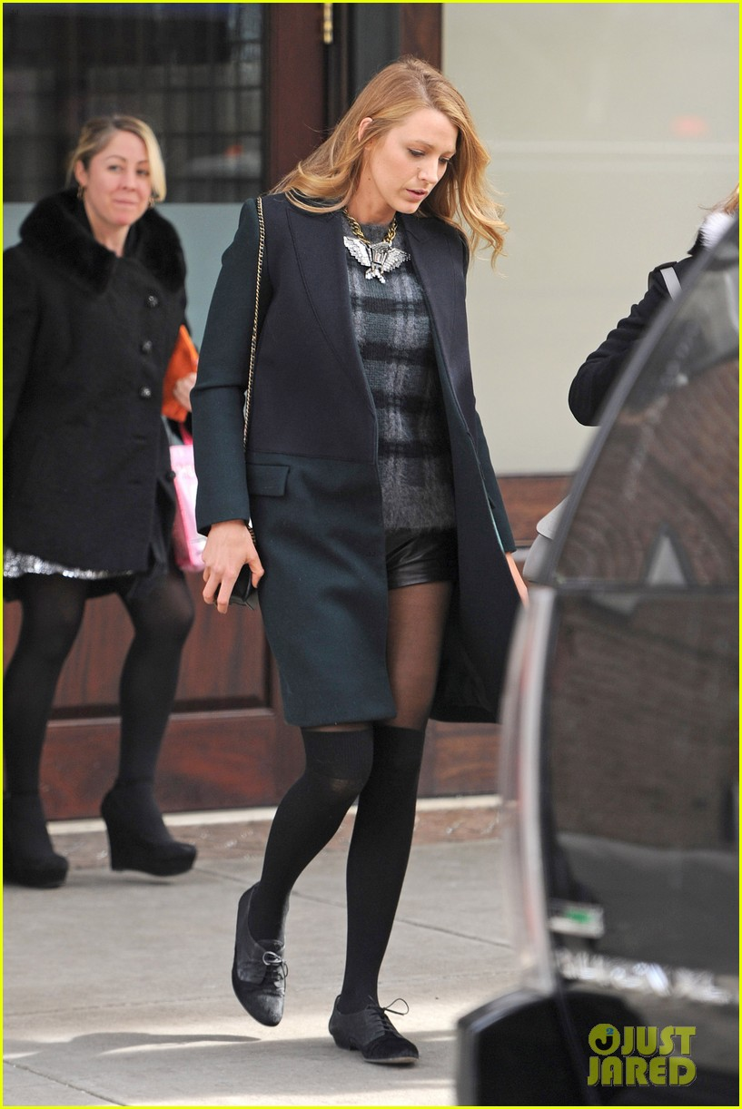blake lively wears super short shorts in freezing new york 093052562
