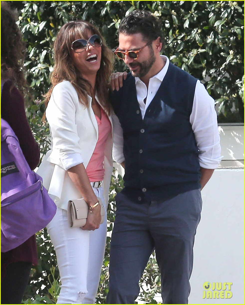 eva longoria jose baston share romantic kiss after brunch 173054952
