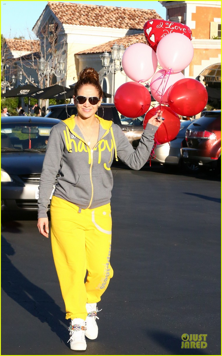 jennifer lopez valentine day lunch with mom guadalupe 013053610