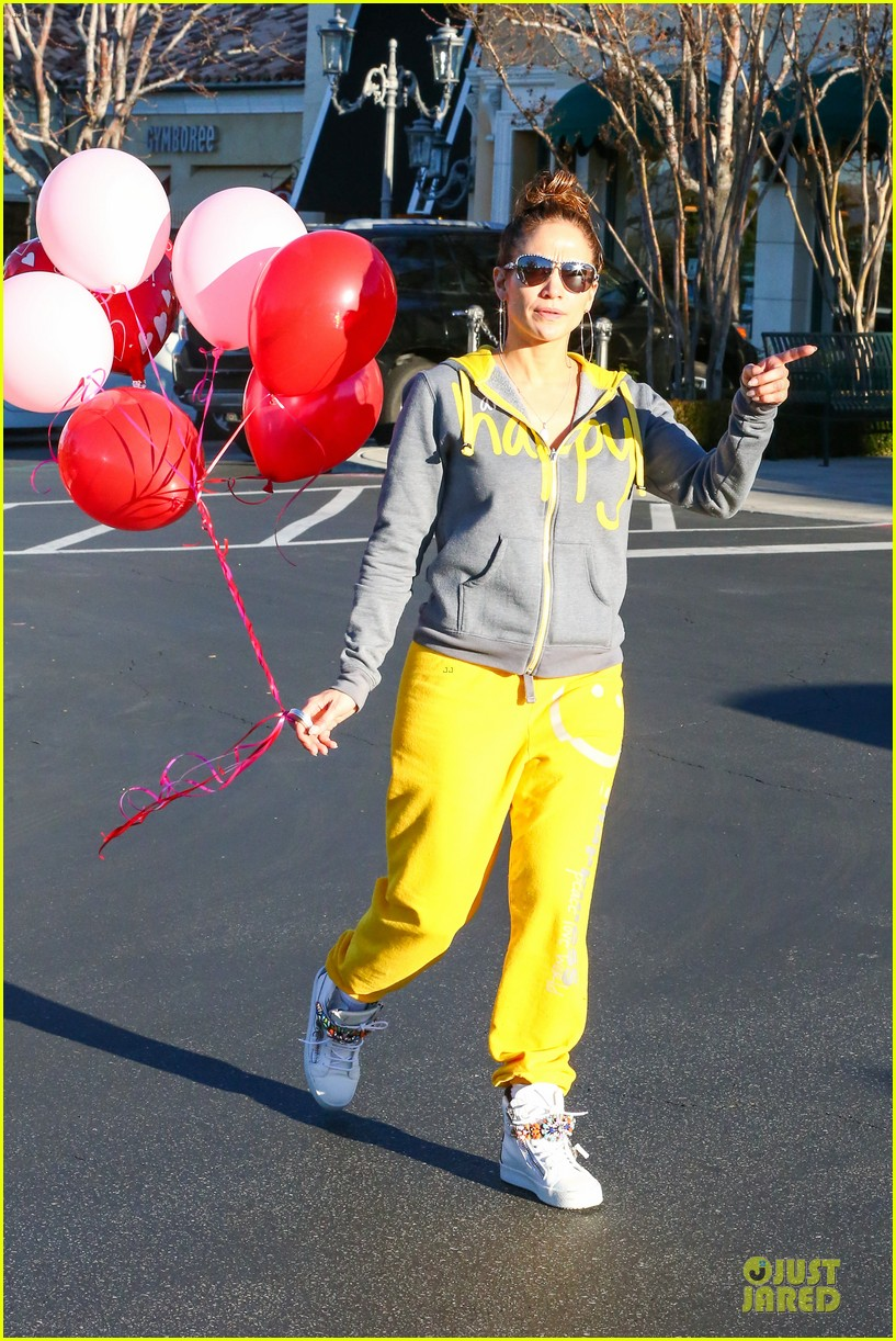 jennifer lopez valentine day lunch with mom guadalupe 093053618