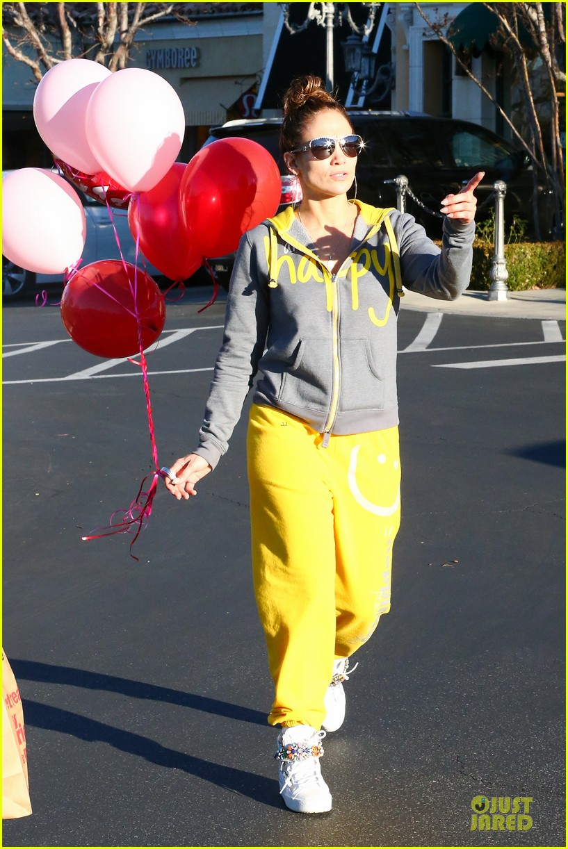 jennifer lopez valentine day lunch with mom guadalupe 193053628