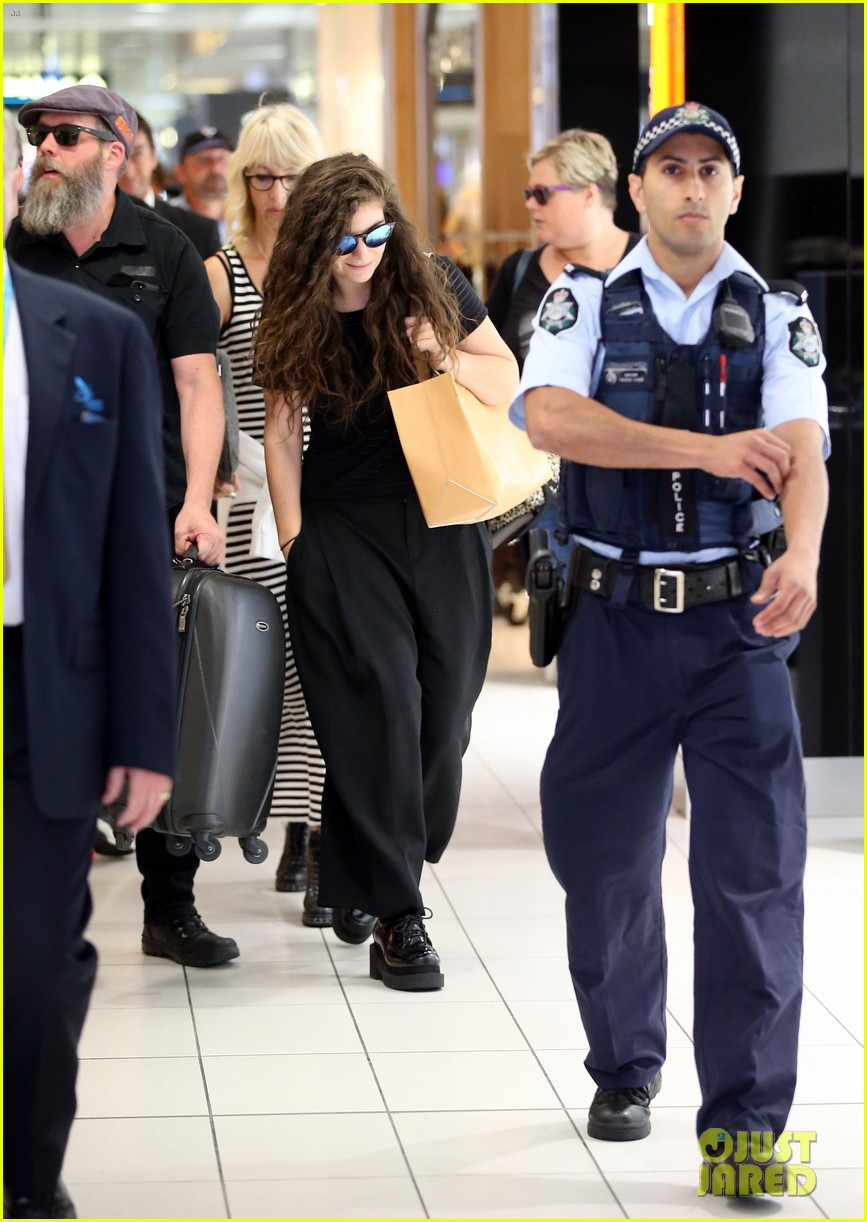lorde was super cute as a 12 year old performer watch now 113046044