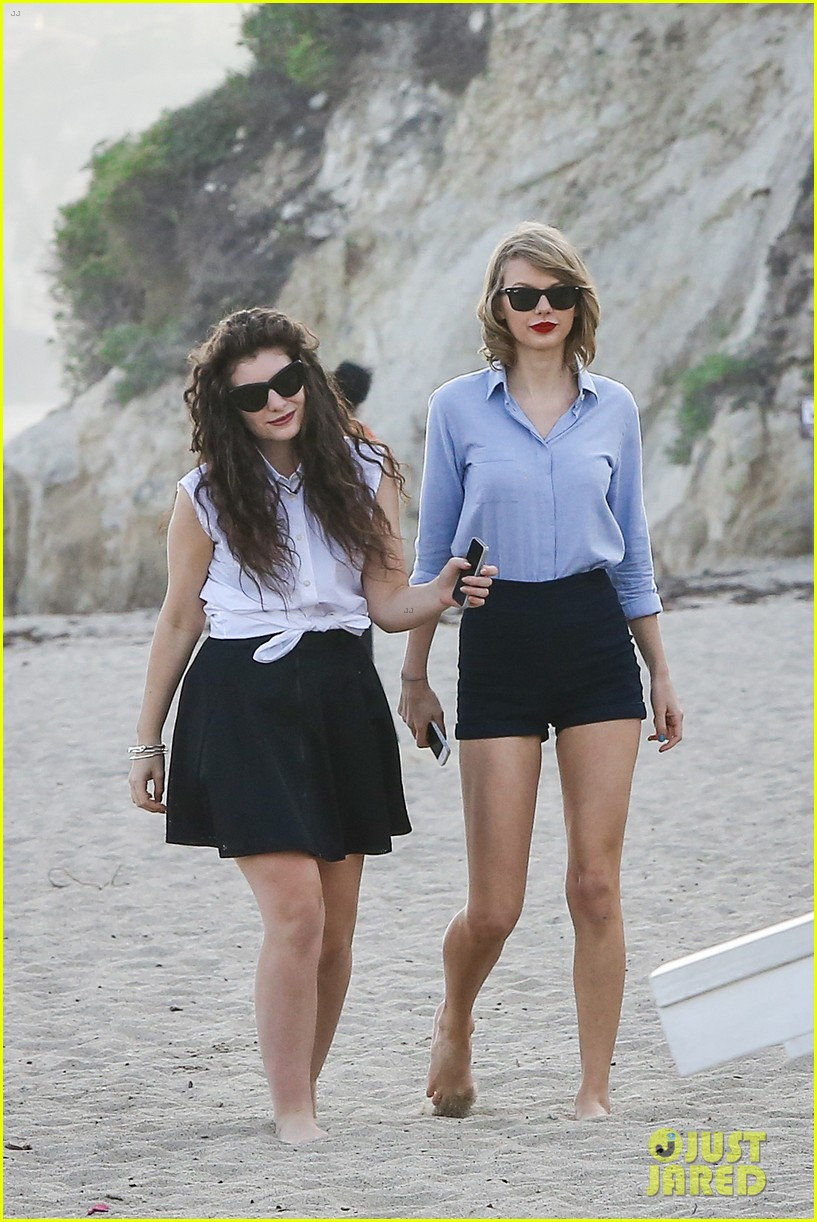 lorde gets breakfast with kiernan shipka after beach day with taylor swift 013059828