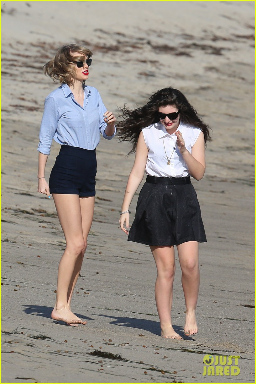 lorde gets breakfast with kiernan shipka after beach day with taylor swift 203059847