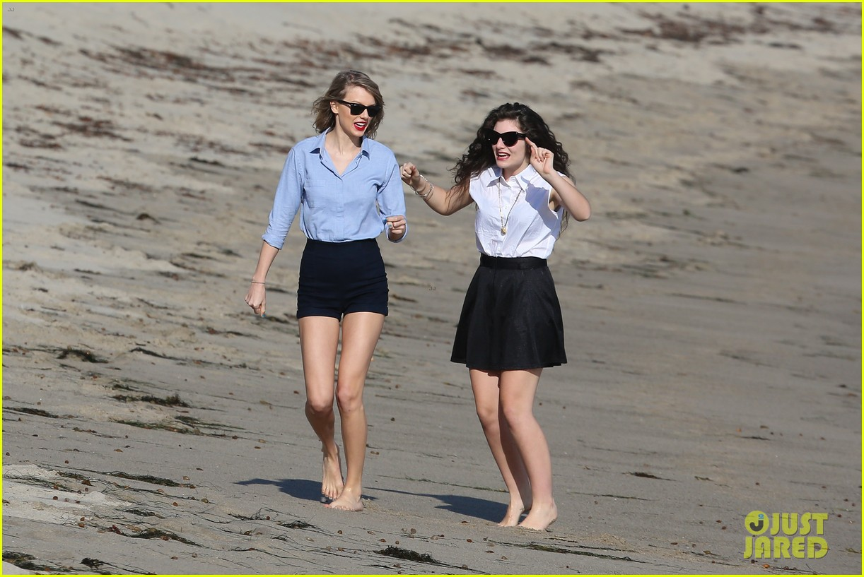 lorde gets breakfast with kiernan shipka after beach day with taylor swift 243059851