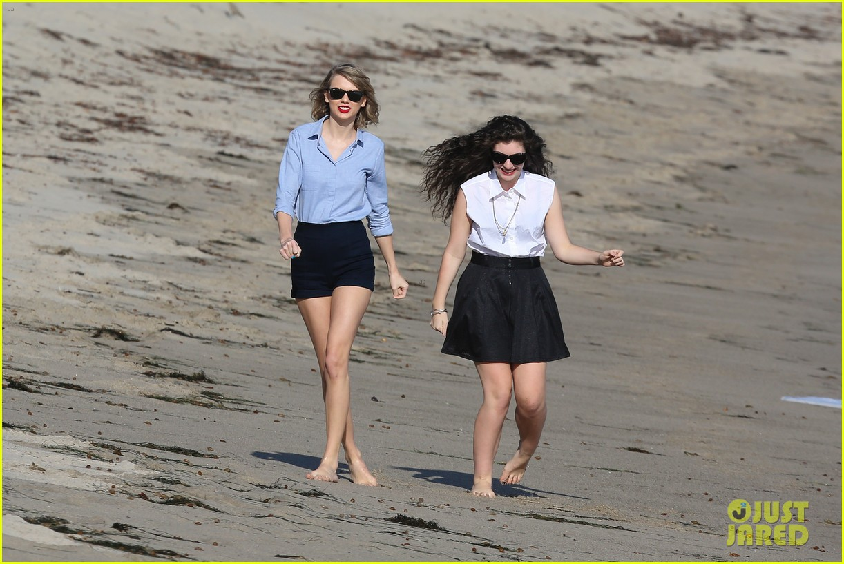 lorde gets breakfast with kiernan shipka after beach day with taylor swift 283059855