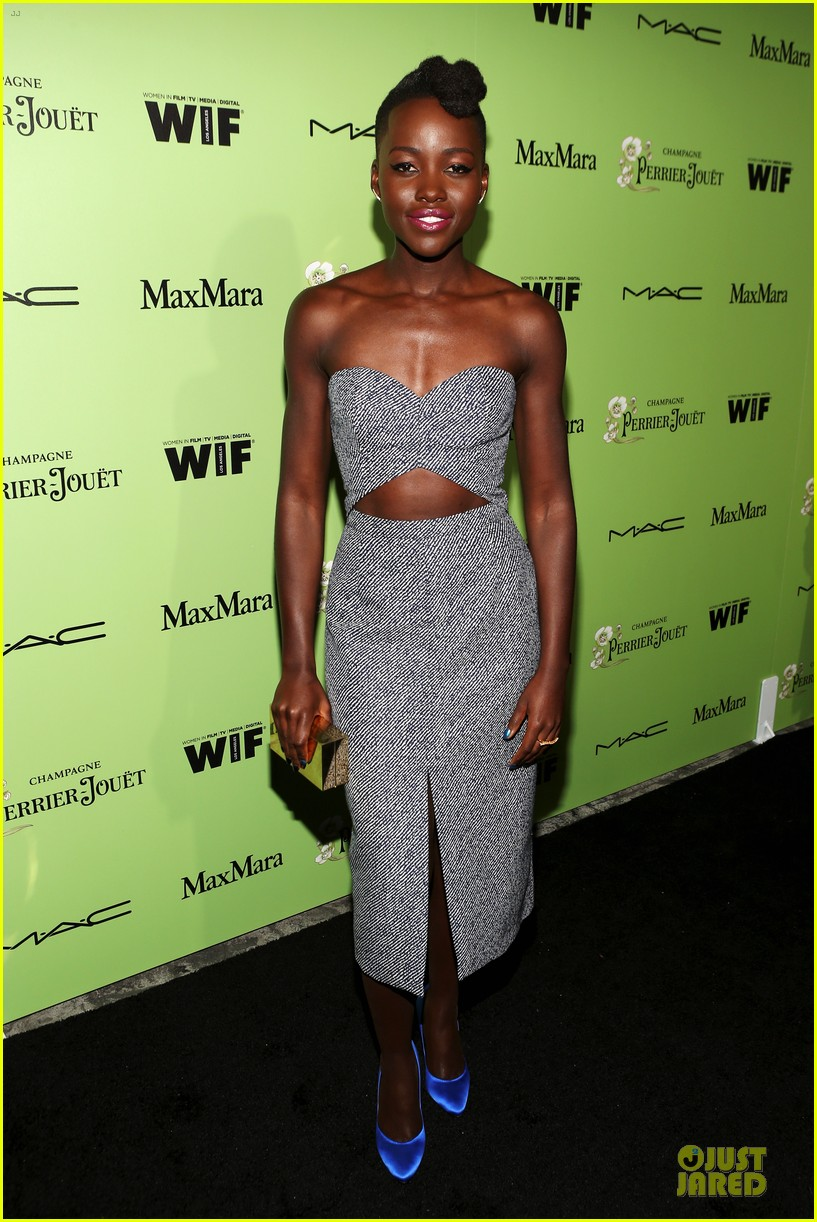 lupita nyongo helen mirren show admiration for each other at woemn in film pre oscar party 083062590