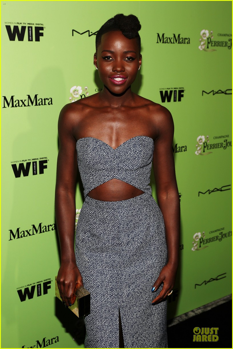 lupita nyongo helen mirren show admiration for each other at woemn in film pre oscar party 113062593