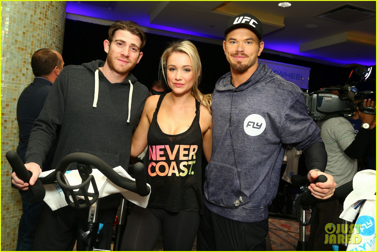 kellan lutz bryan greenberg work up a sweat at nfl house 16