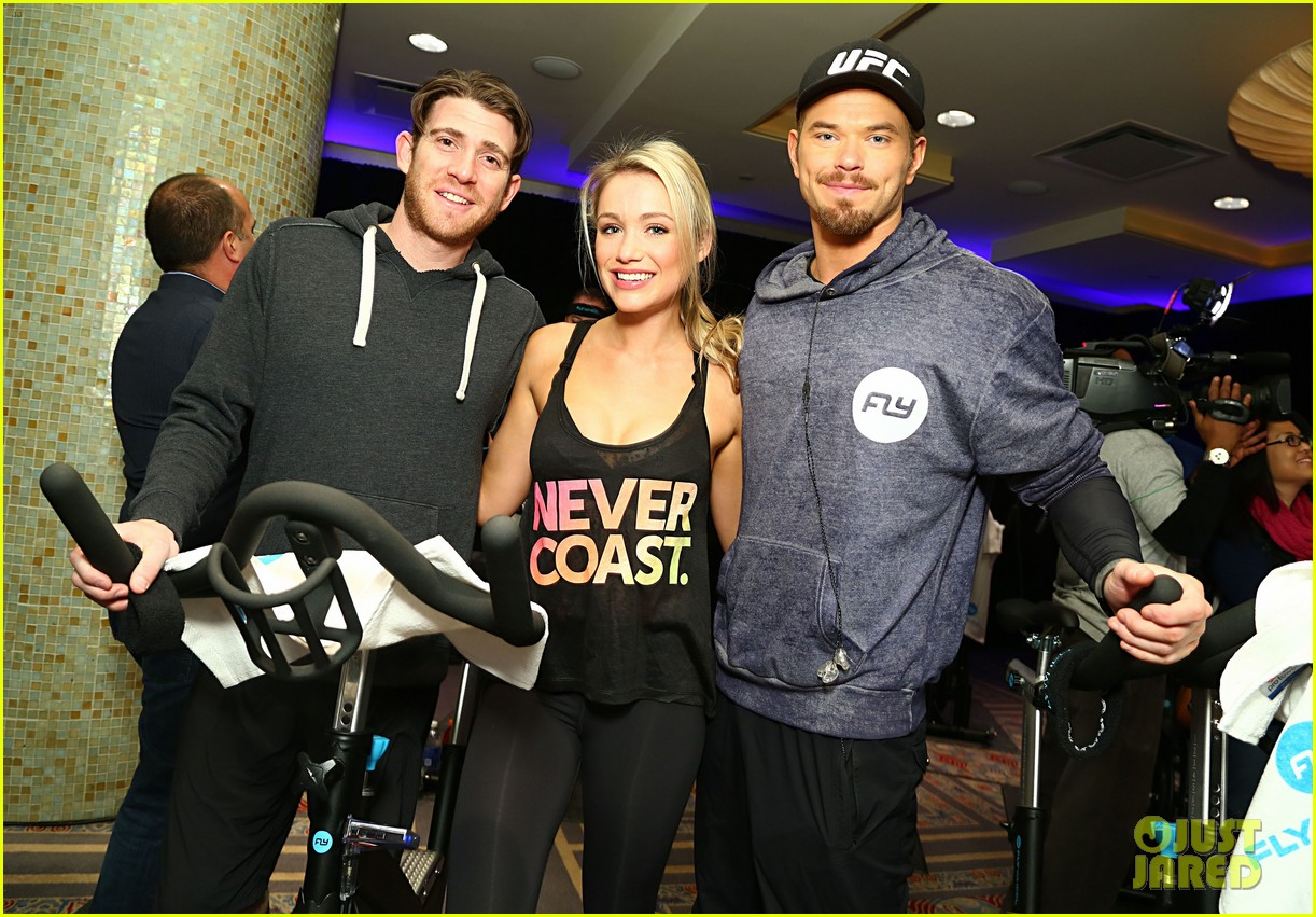 kellan lutz bryan greenberg work up a sweat at nfl house 173046806