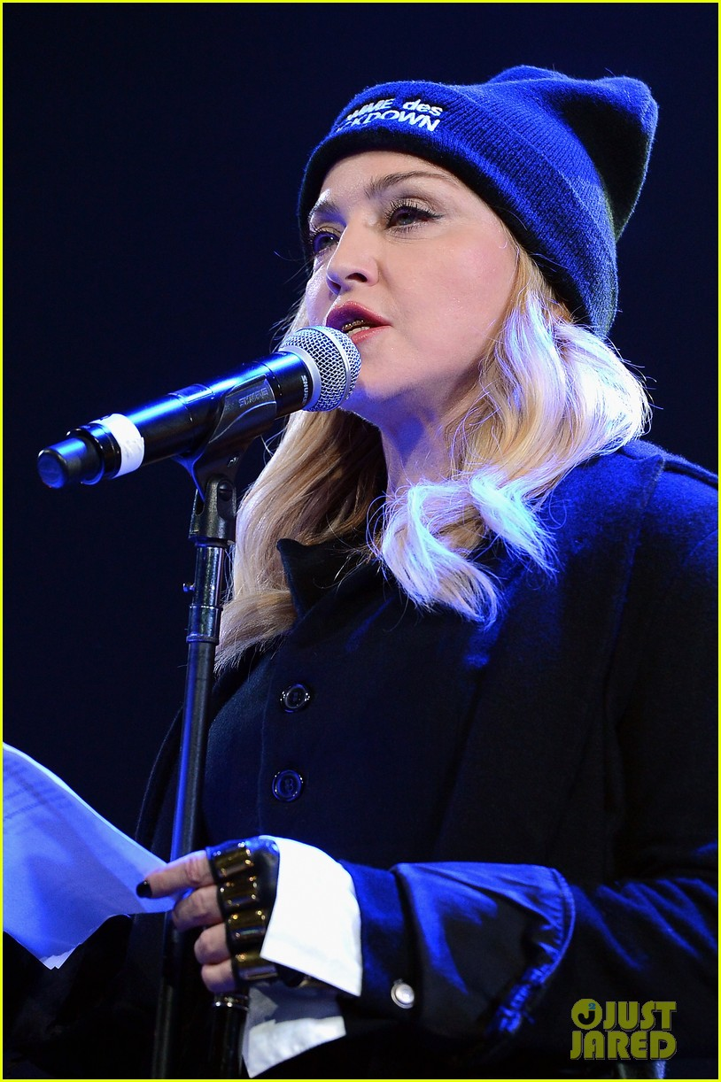 madonna speaks at the amnesty international concert 123048479