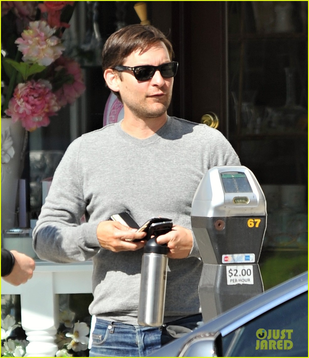 tobey maguire gets in some guy time lunches with a pal 143053359
