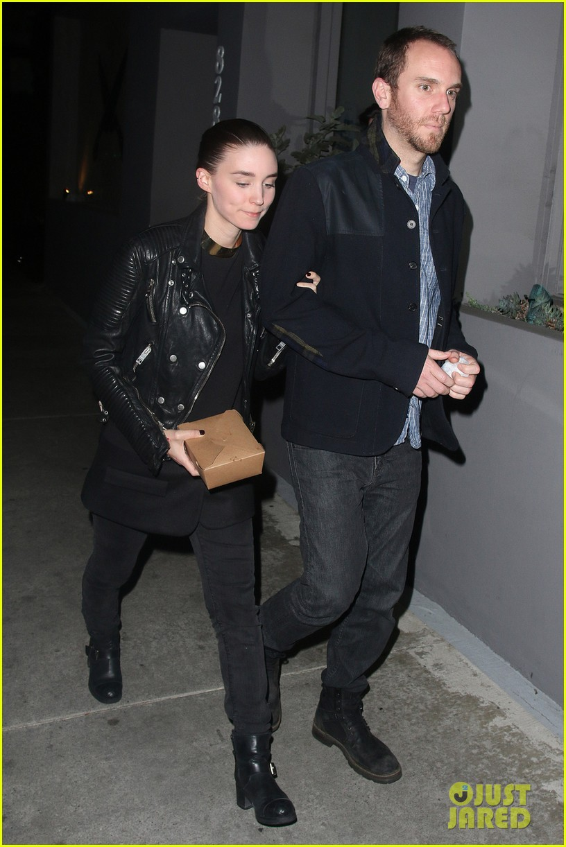 rooney mara keeps close to charles mcdowell after dinner date 013062304
