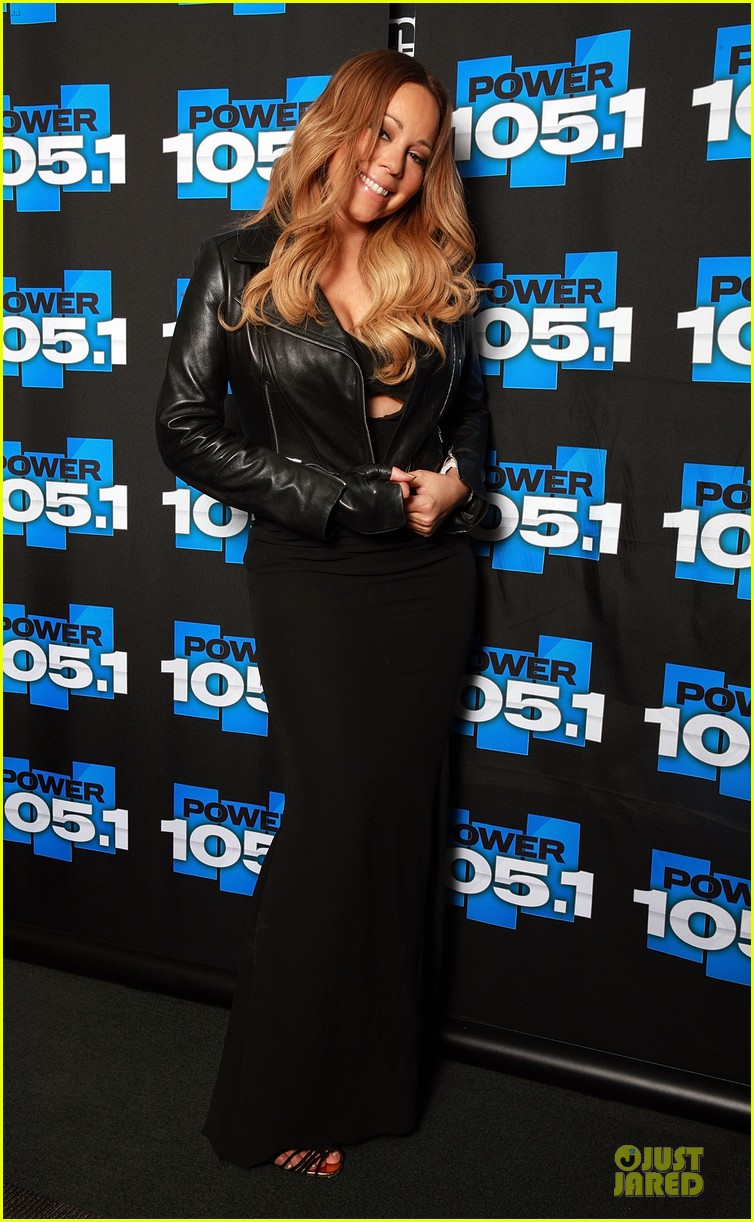 mariah carey flashes black bra at 105 1 appearance 013055899