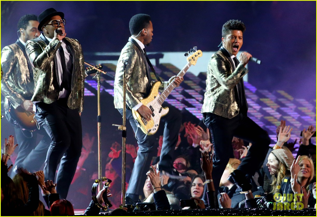 bruno mars super bowl halftime show 2014 video watch now 033046577
