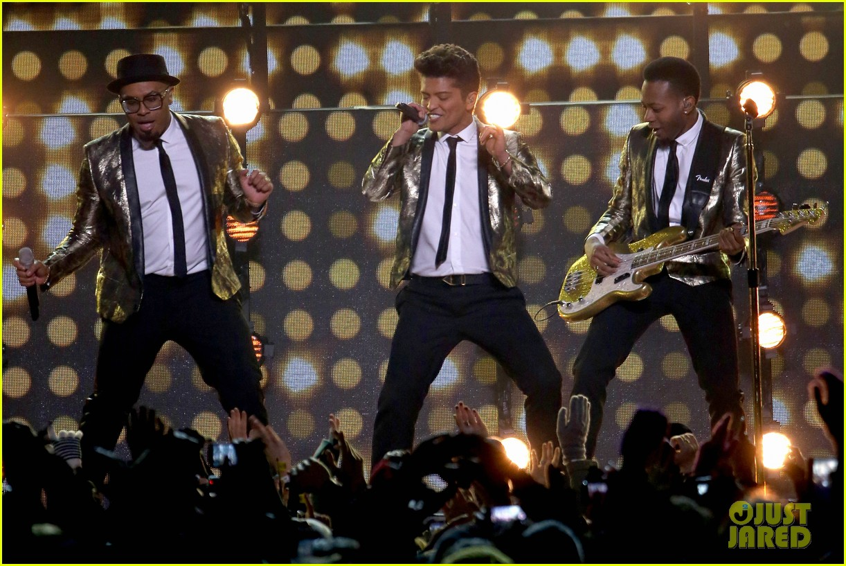 bruno mars super bowl halftime show 2014 video watch now 09