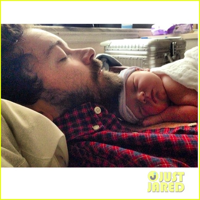danny masterson bijou phillips welcome baby girl fiona 023057118
