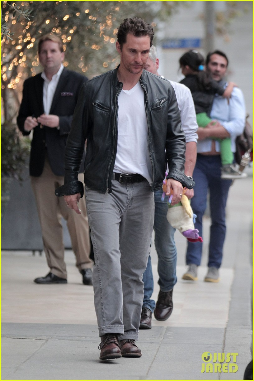 matthew mcconaughey is like a brother to woody harrelson 053061664