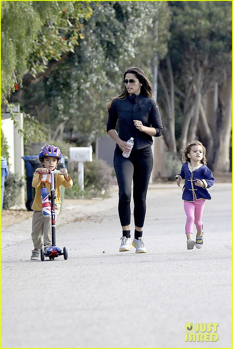 matthew mcconaughey his family work on their fitness together 173058999