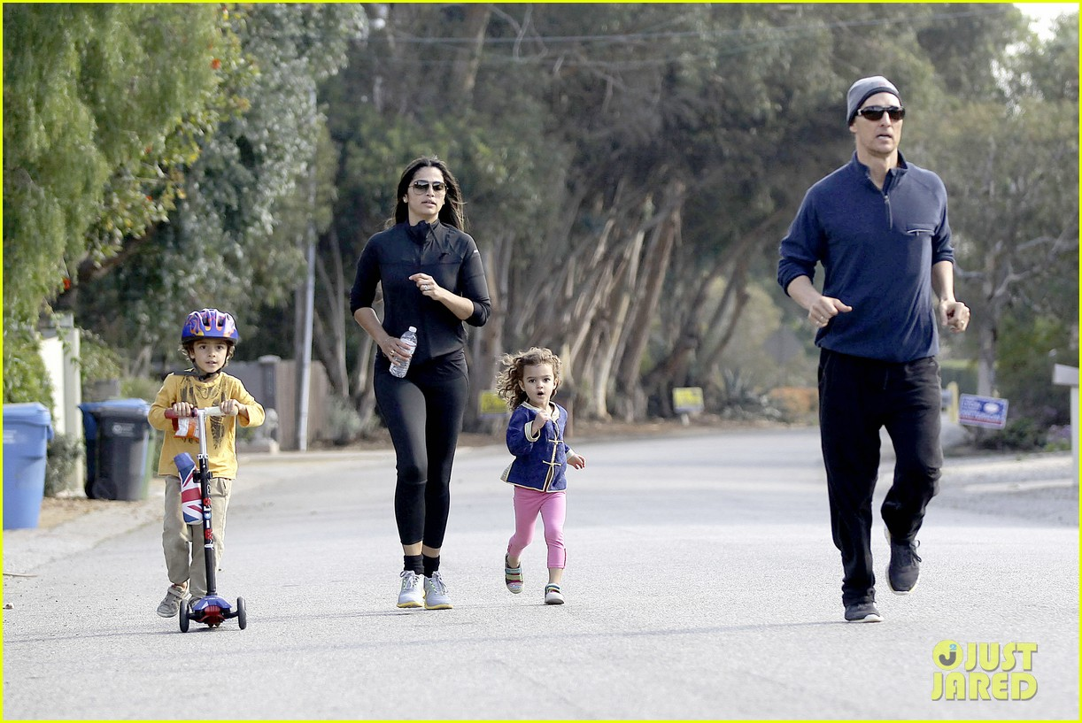 matthew mcconaughey his family work on their fitness together 223059004