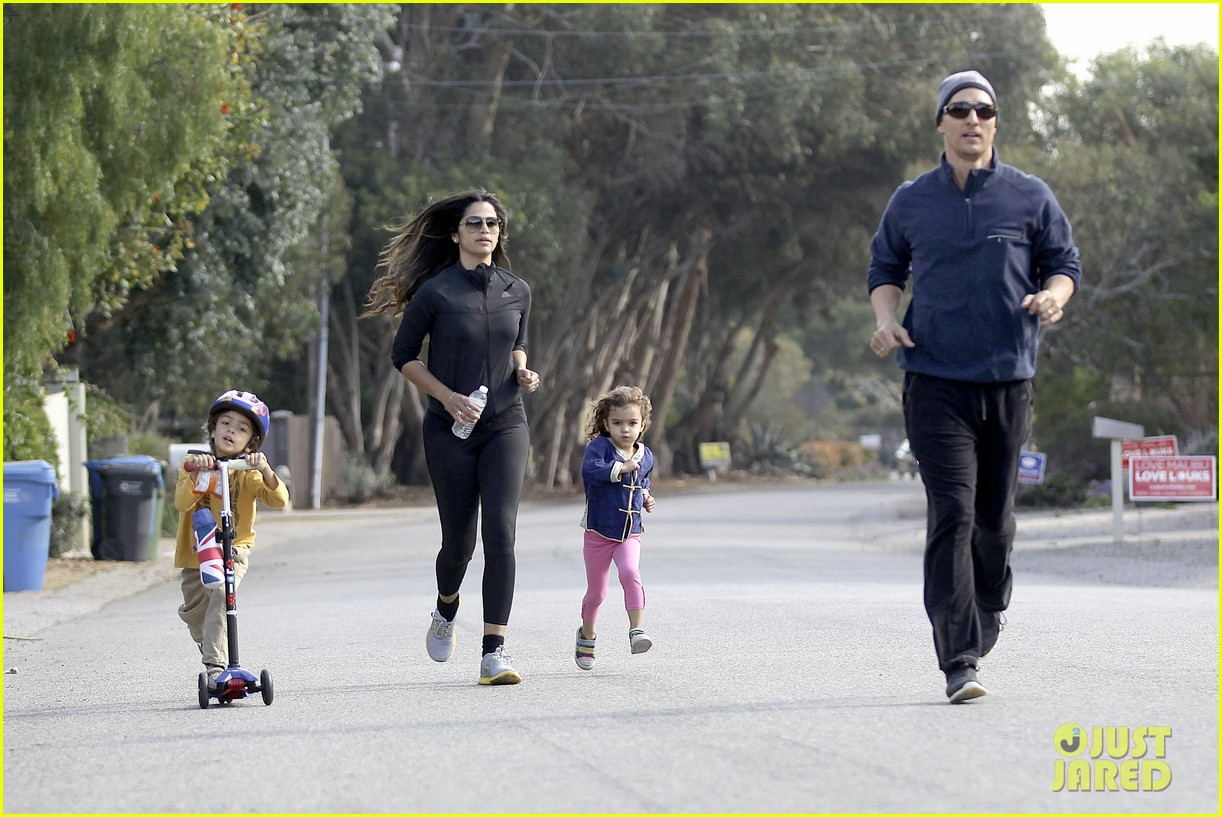matthew mcconaughey his family work on their fitness together 253059007