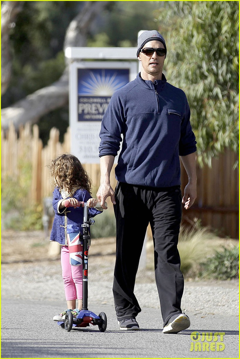 matthew mcconaughey his family work on their fitness together 263059008