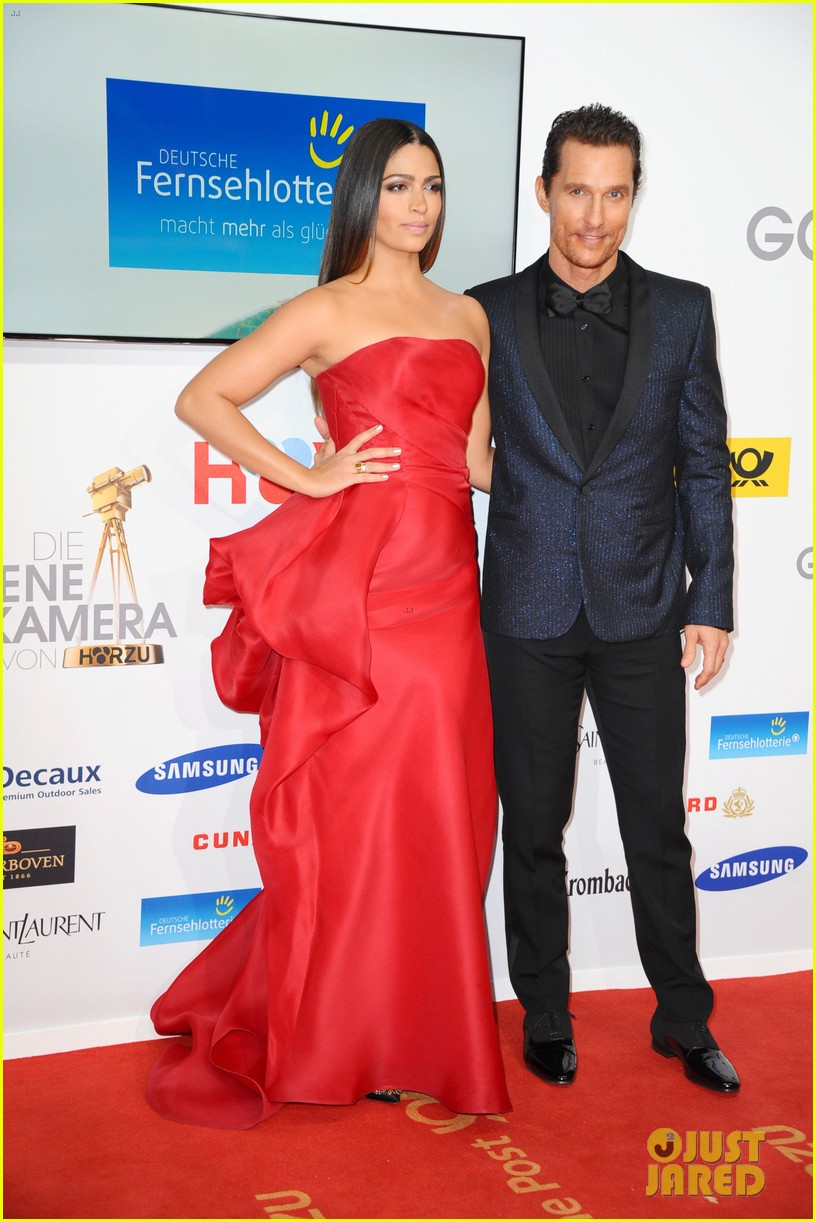 matthew mcconaughey camila alves picture perfect pair at goldene kamera awards 103045829