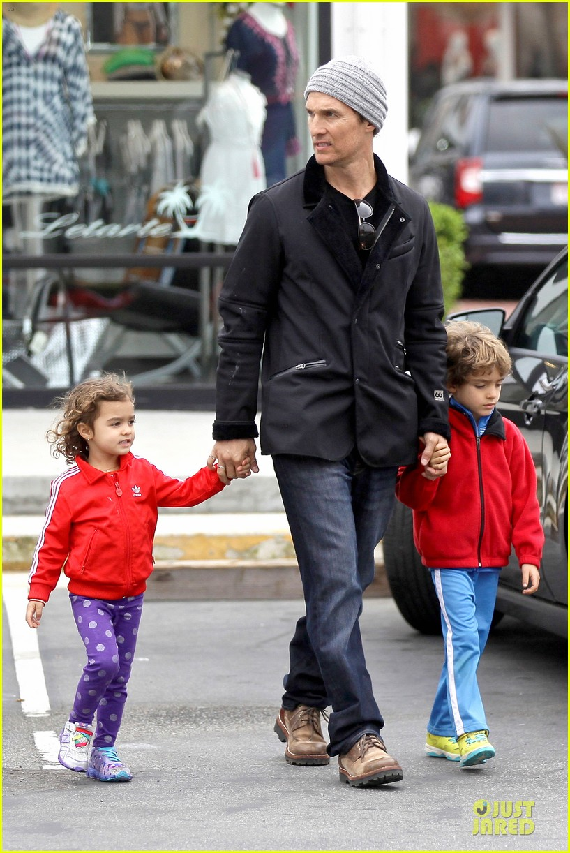 matthew mcconaughey lego movie showing with the kids 113056047