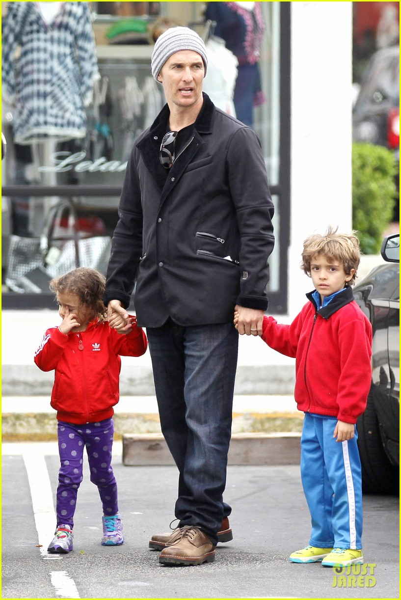 matthew mcconaughey lego movie showing with the kids 133056049