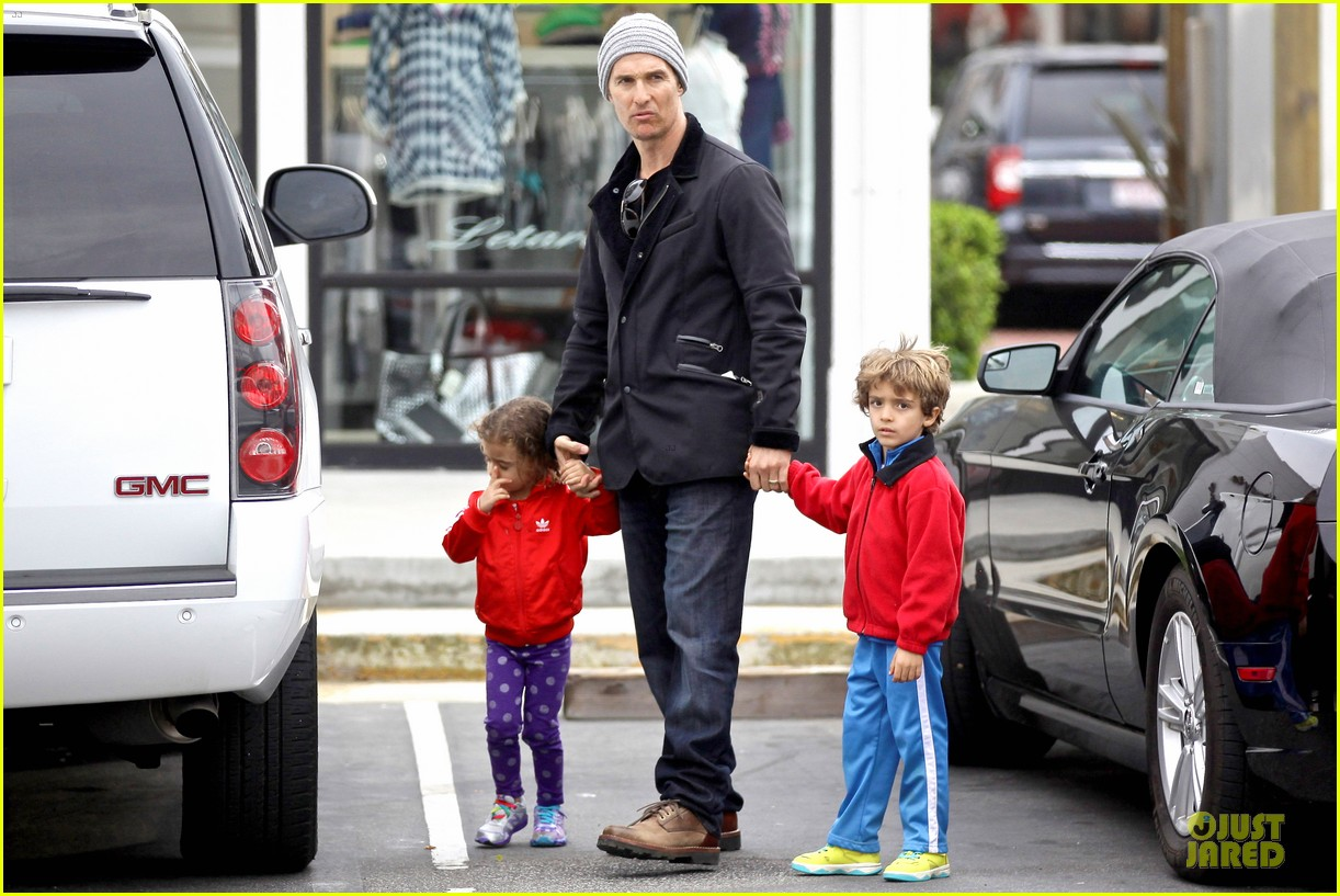 matthew mcconaughey lego movie showing with the kids 153056051