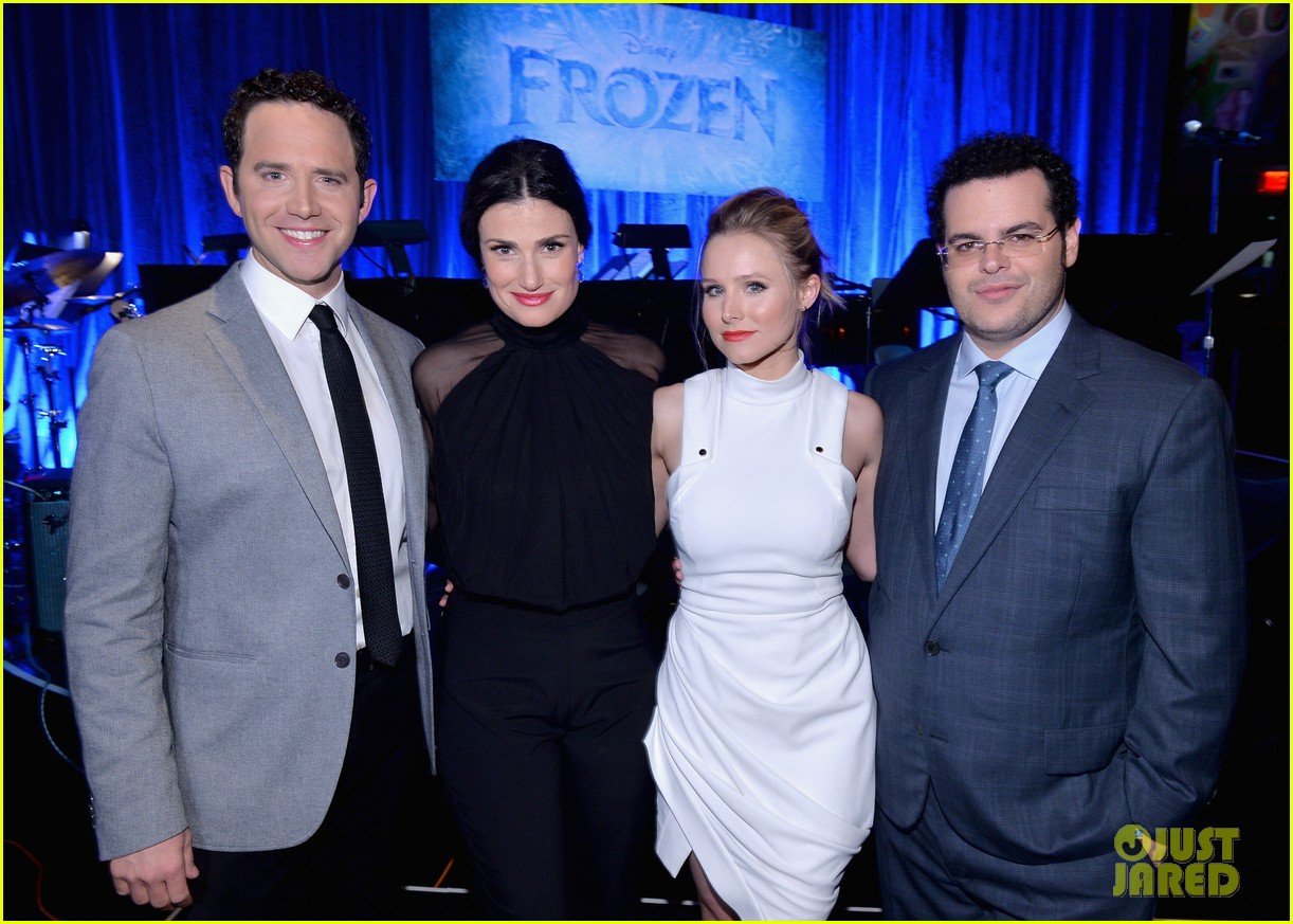idina menzel sings let it go for frozen cast reunion 033050608
