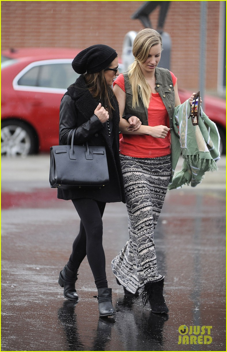 lea michele heather morris walk arm in arm in rainy la 043048845