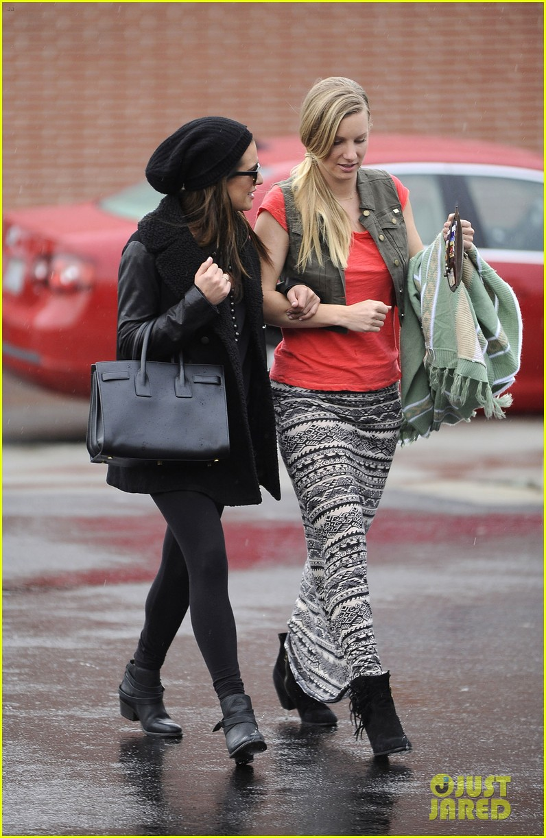 lea michele heather morris walk arm in arm in rainy la 083048849