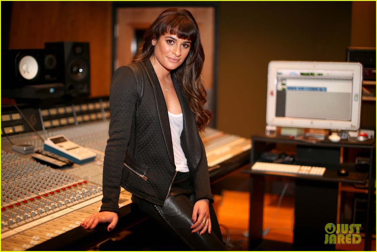 lea michele previews louder at album listening party 04