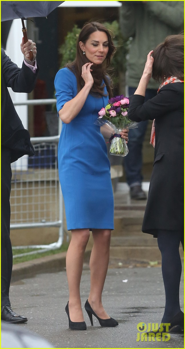 kate middleton opens the icap art room on valentines day 013053287