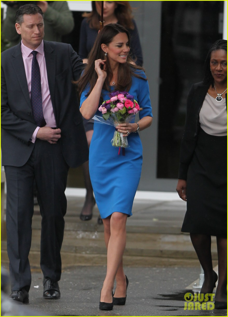 kate middleton opens the icap art room on valentines day 033053289