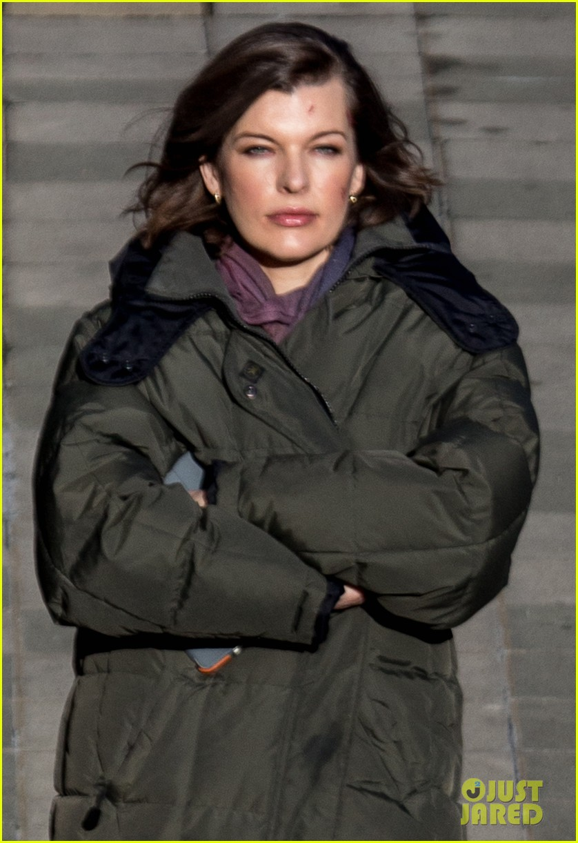 milla jovovich has cut up face for survivor scenes 04