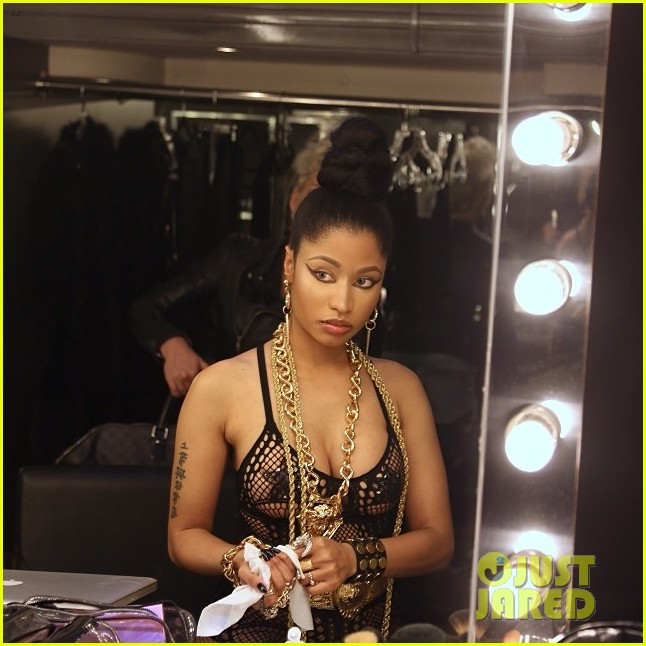 nicki minaj looking ass ngga video premiere 063052218