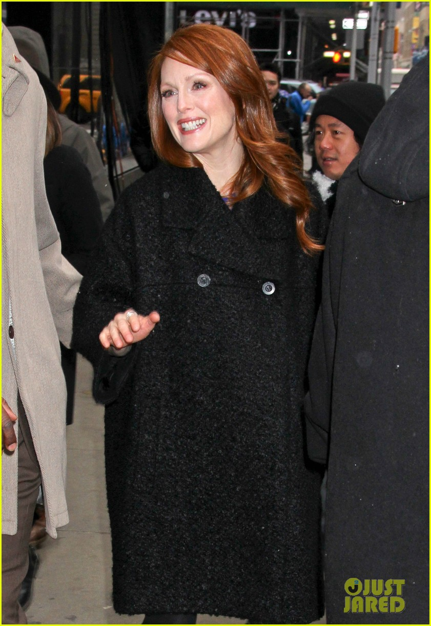 julianne moore applauds future co star ellen pages coming out speech 033060992