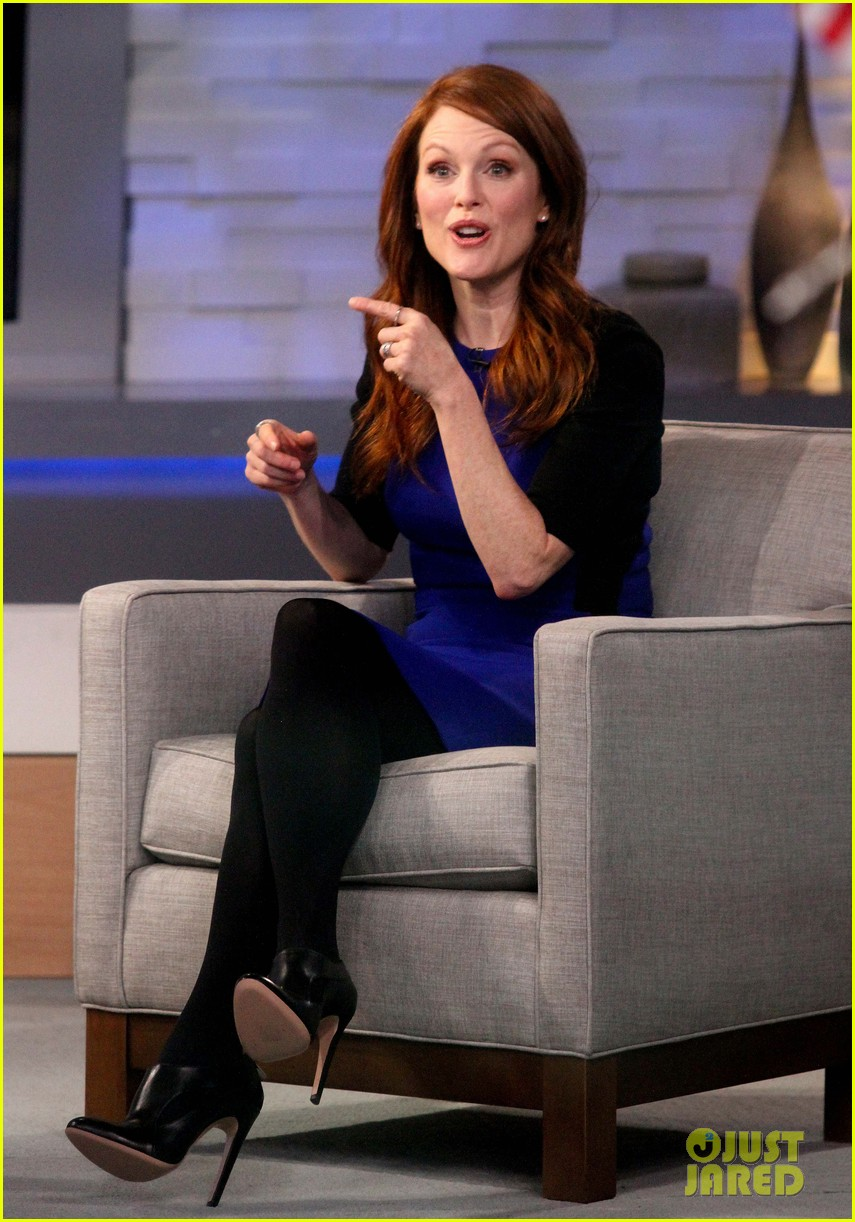 julianne moore applauds future co star ellen pages coming out speech 063060995